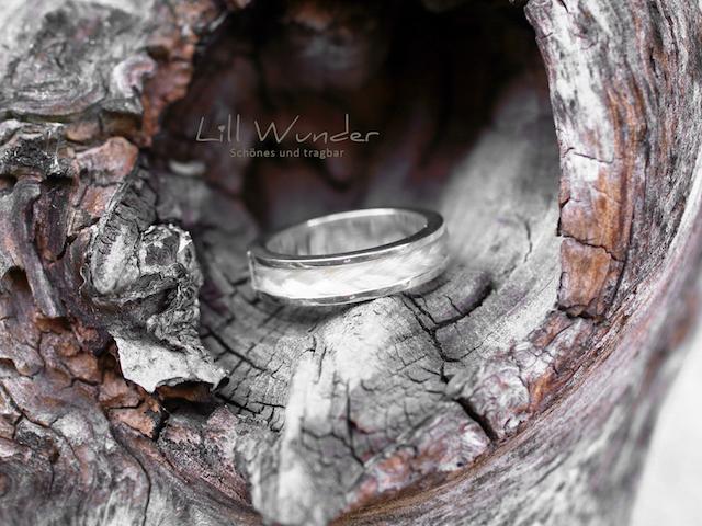 Ring aus 925 Silber mit geflochtenem Pferdehaar