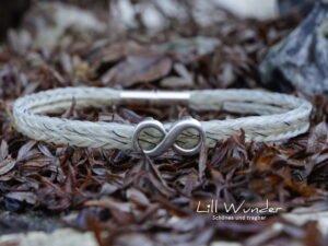 Eckig geflochtenes Armband aus Pferdehaar mit Unendlichkeitszeichen