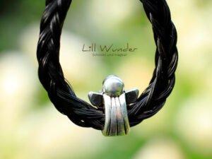Schlüssenanhänger aus Pferdehaar mit Schutzengel Perle