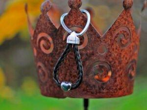 Schlüssenanhänger aus Pferdehaar mit Herz Perle